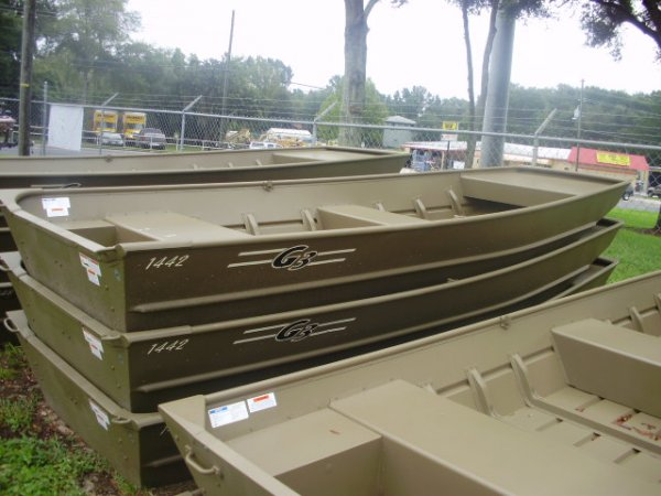 A Jon boat is a flat-bottomed boat made of aluminum or wood with one, two, or three bench seats. They are particularly useful for hunting due to the greater level of stability as compared with a V-hull boat. They are also quite suitable for fishing.