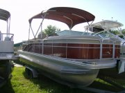 Pre-Owned 2014 Bennington Power Boat for sale